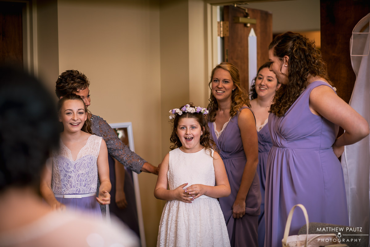 flower girl's reaction to seeing bride dressed